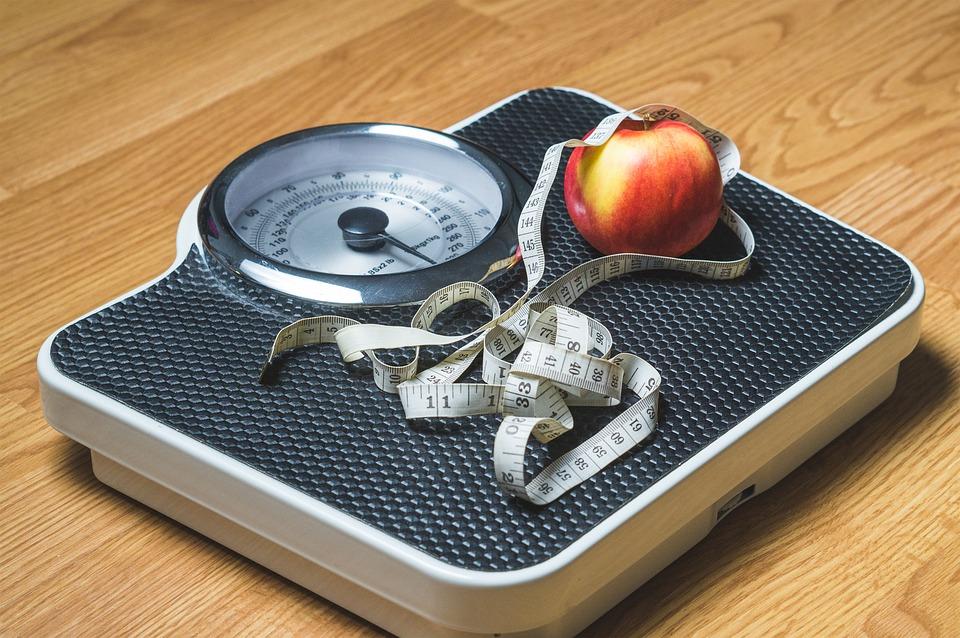 """""""Hago dieta pero no consigo bajar de peso"""". Consejos para desbloquear tu peso estancado"""